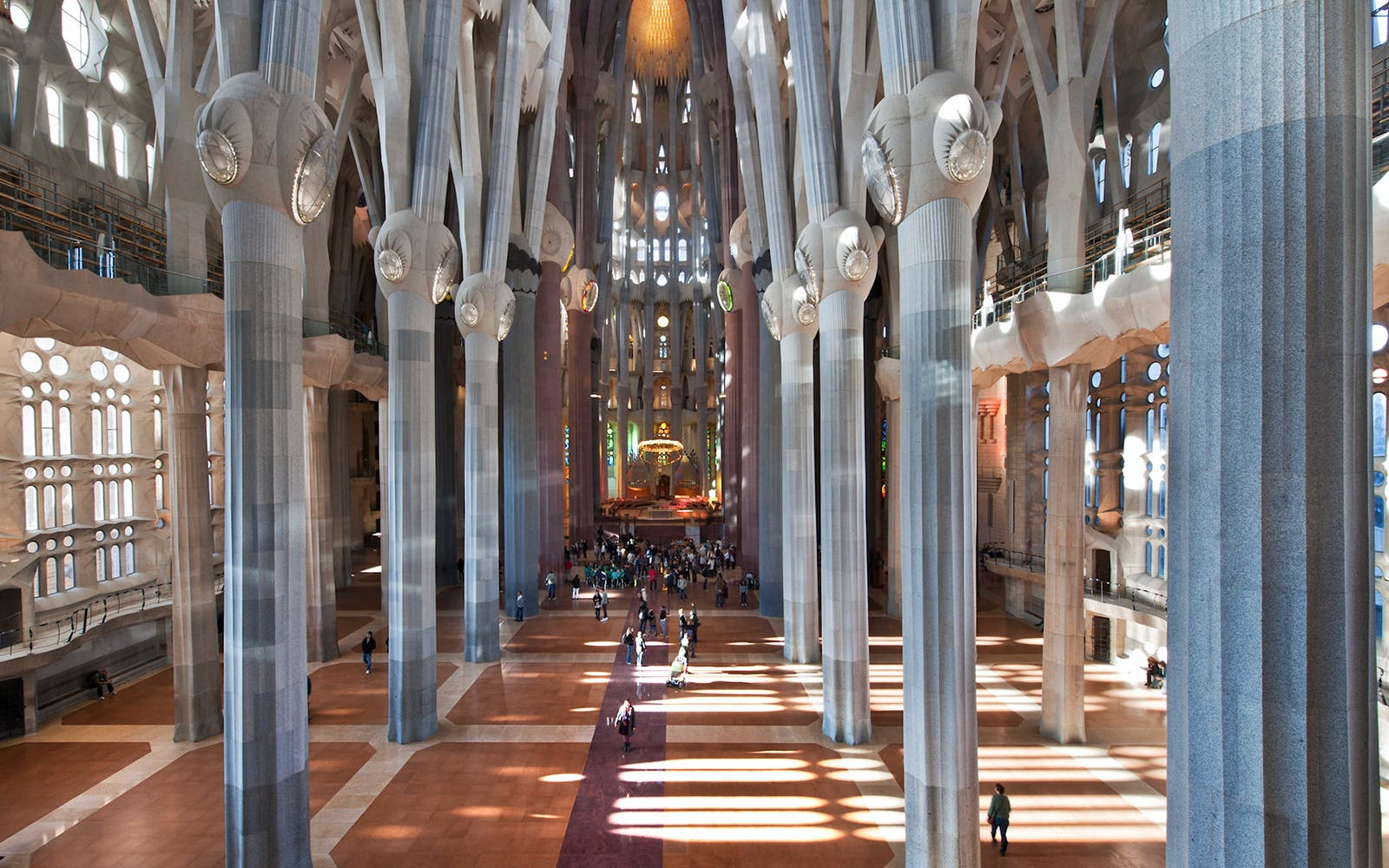 Fast Track Bilingual Guided Tour of Sagrada Familia