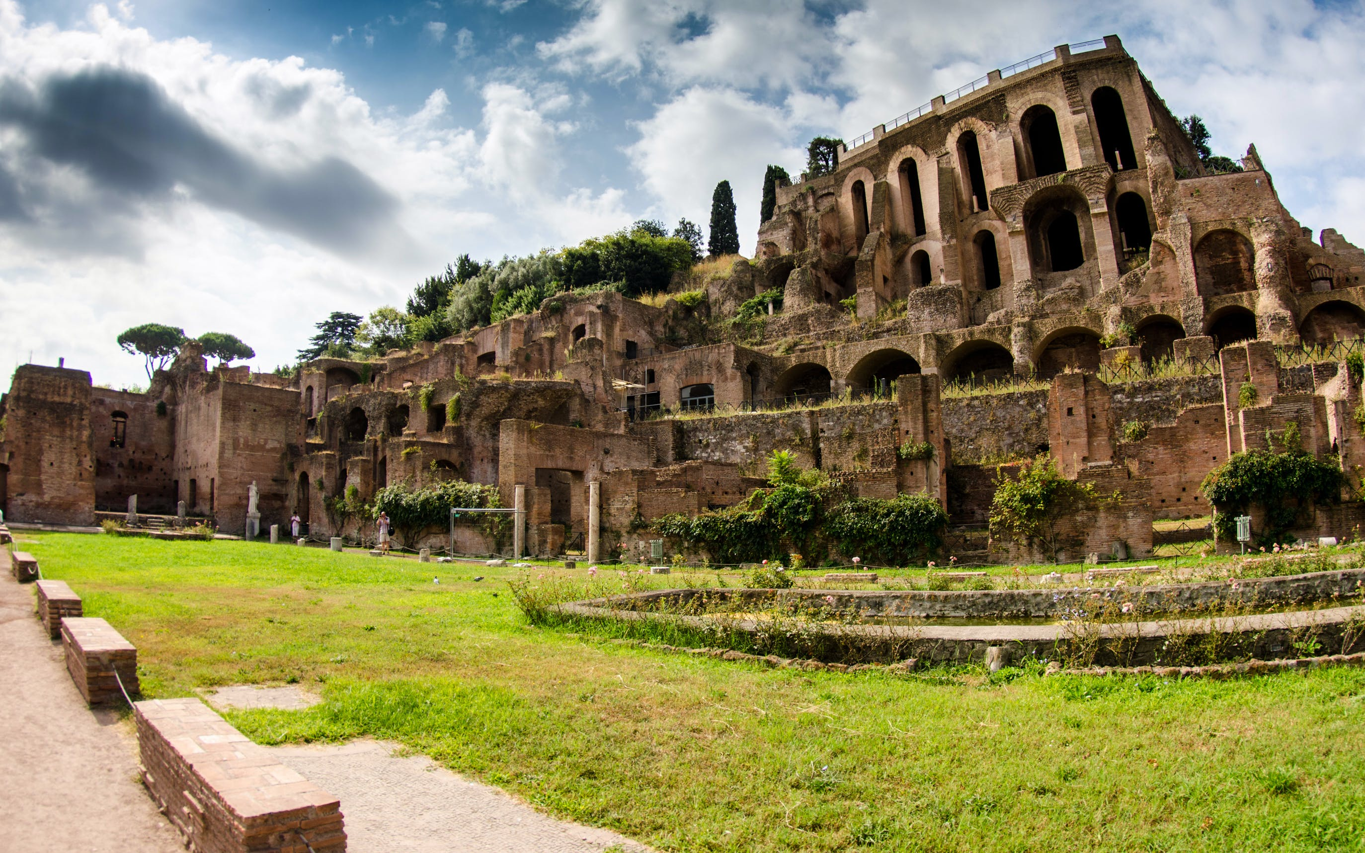Skip the Line: Colosseum, Palatine Hill & Roman Forums Semi Private Tour