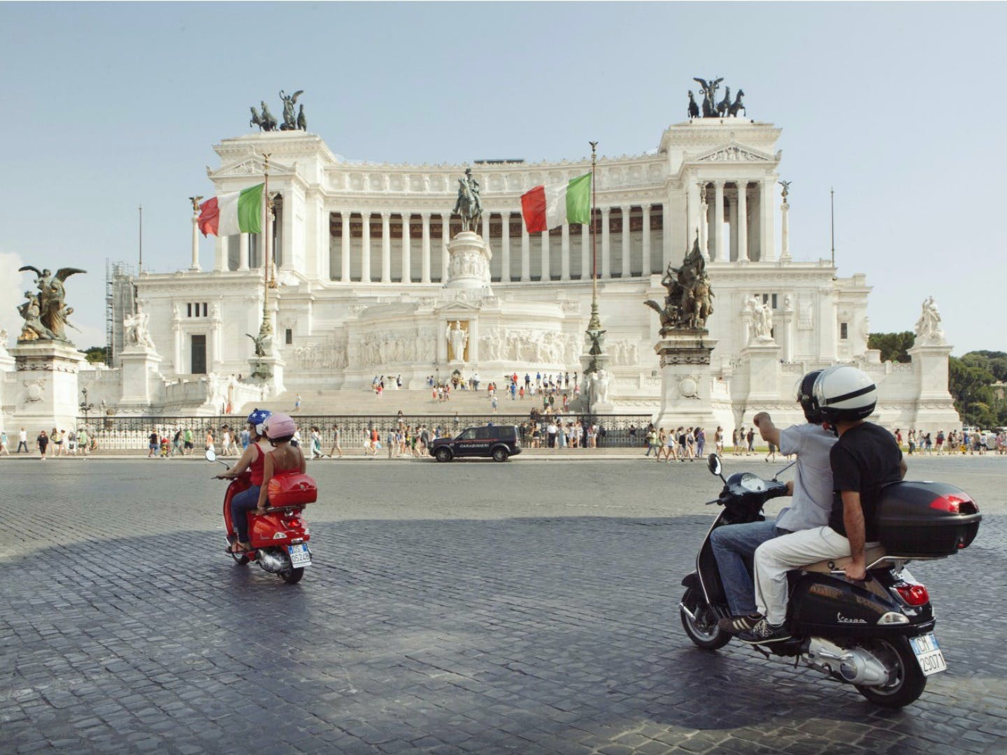 hills of ancient rome vespa tour-1