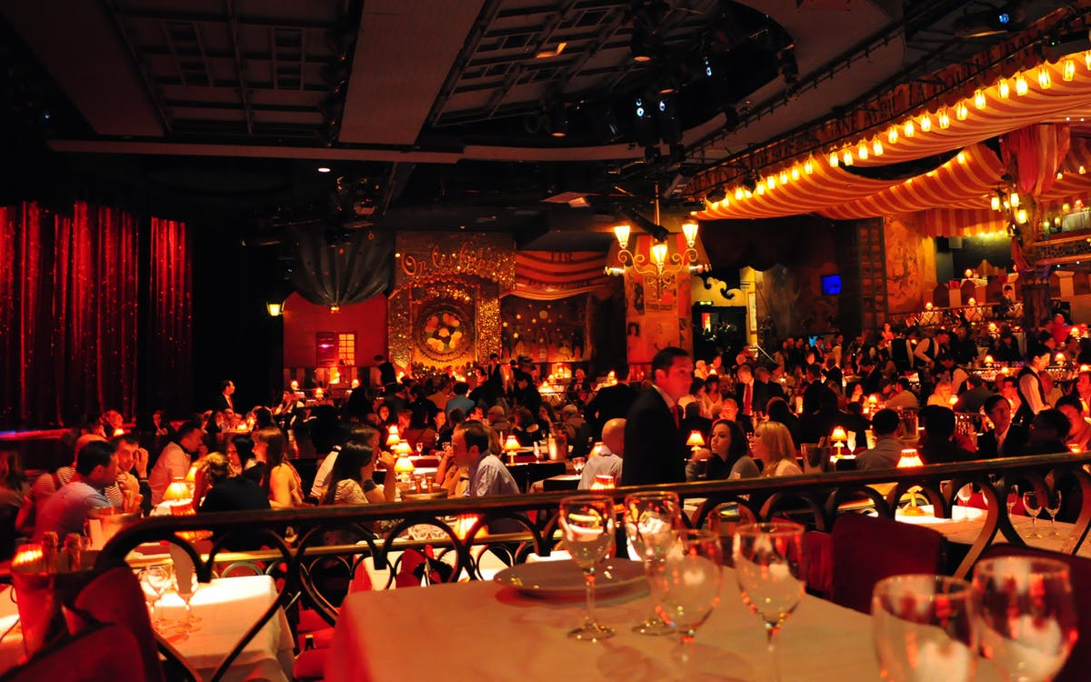 moulin rouge show and dinner with hotel transfers -2