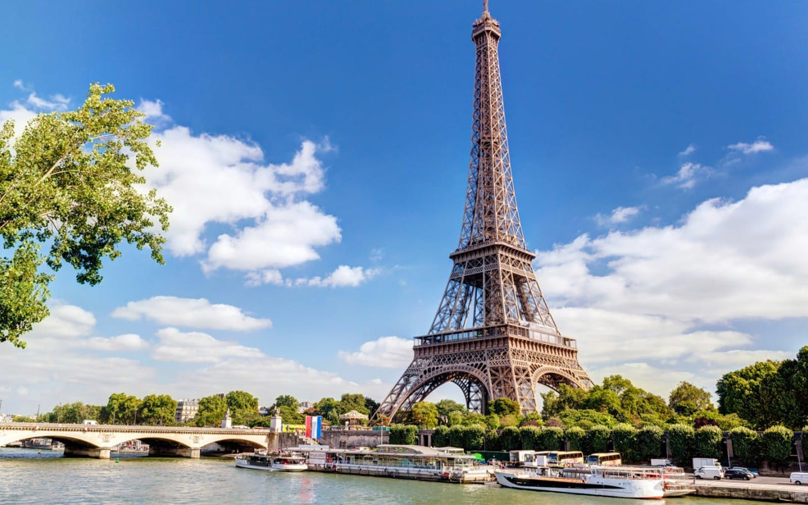 Paris By Night: City tour, Cruise, Skip the line Eiffel Tower