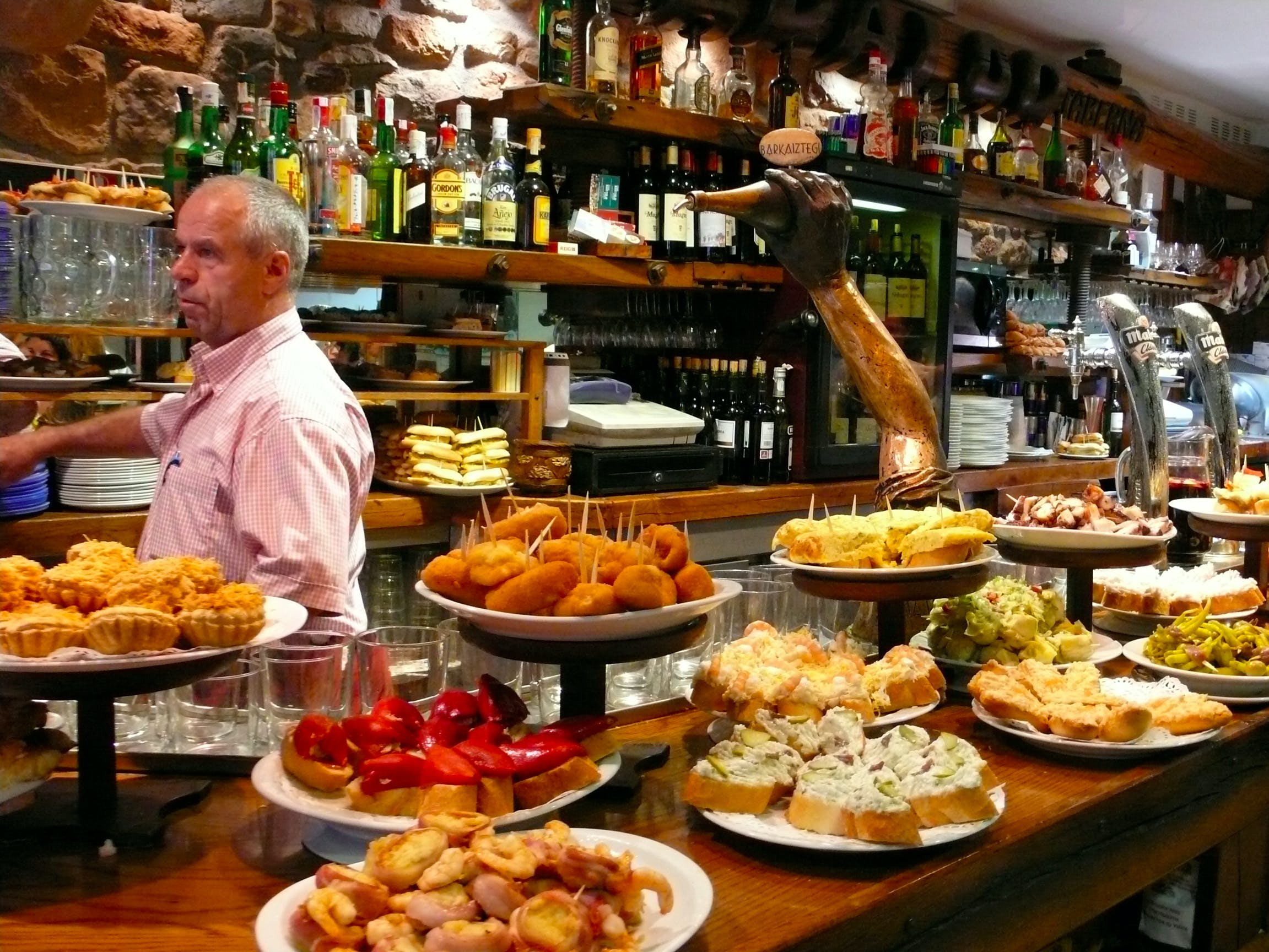 savoring madrid: tavernas and tapas-2