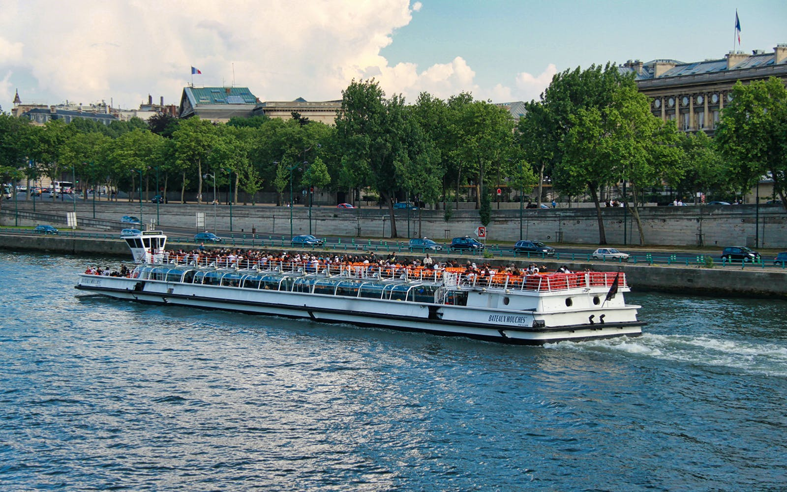 bateaux mouches: seine river sightseeing cruise with live commentary-2