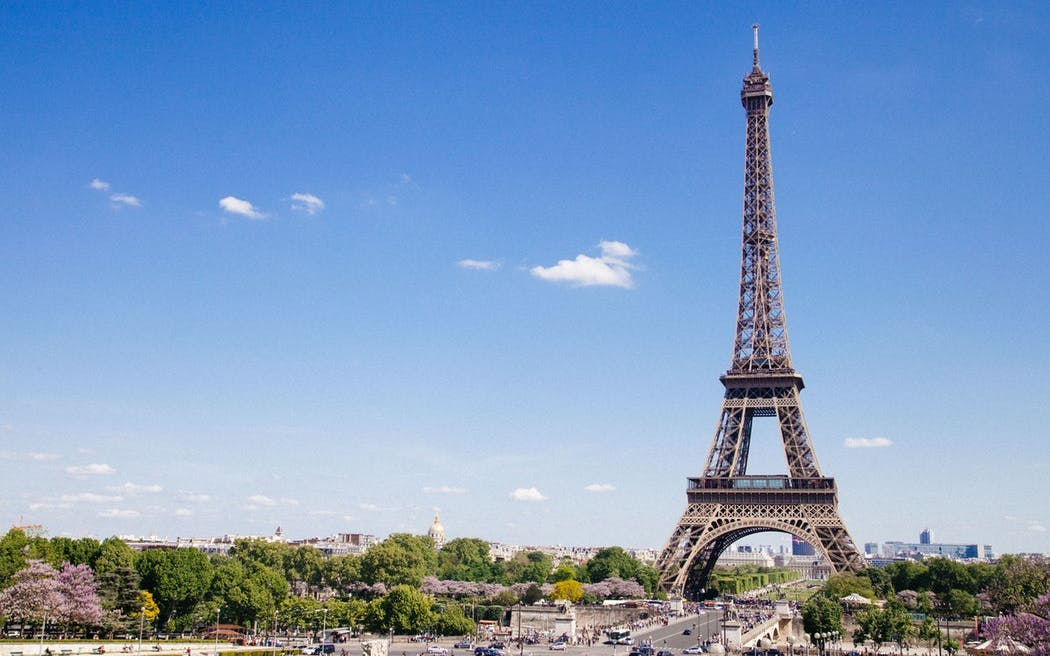 eiffel tower: backstage tour with an actor-1