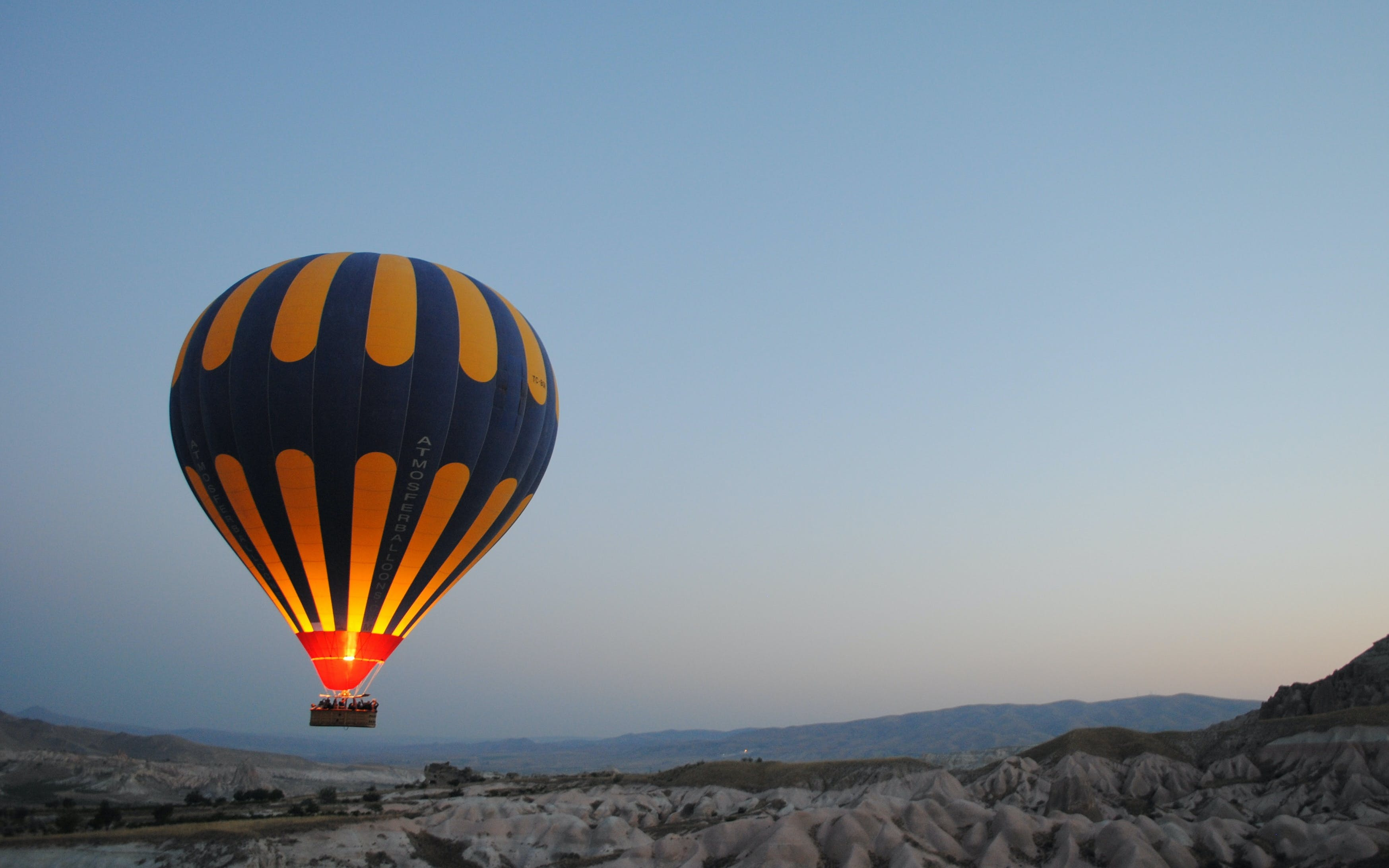 Hot Air Balloon Ride + Breakfast + Desert Safari