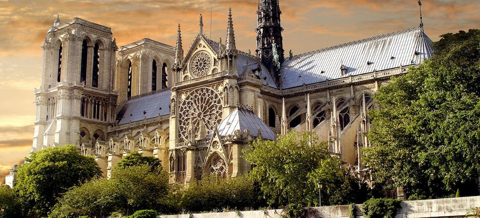 Notre Dame Cathedral with Audio Guide