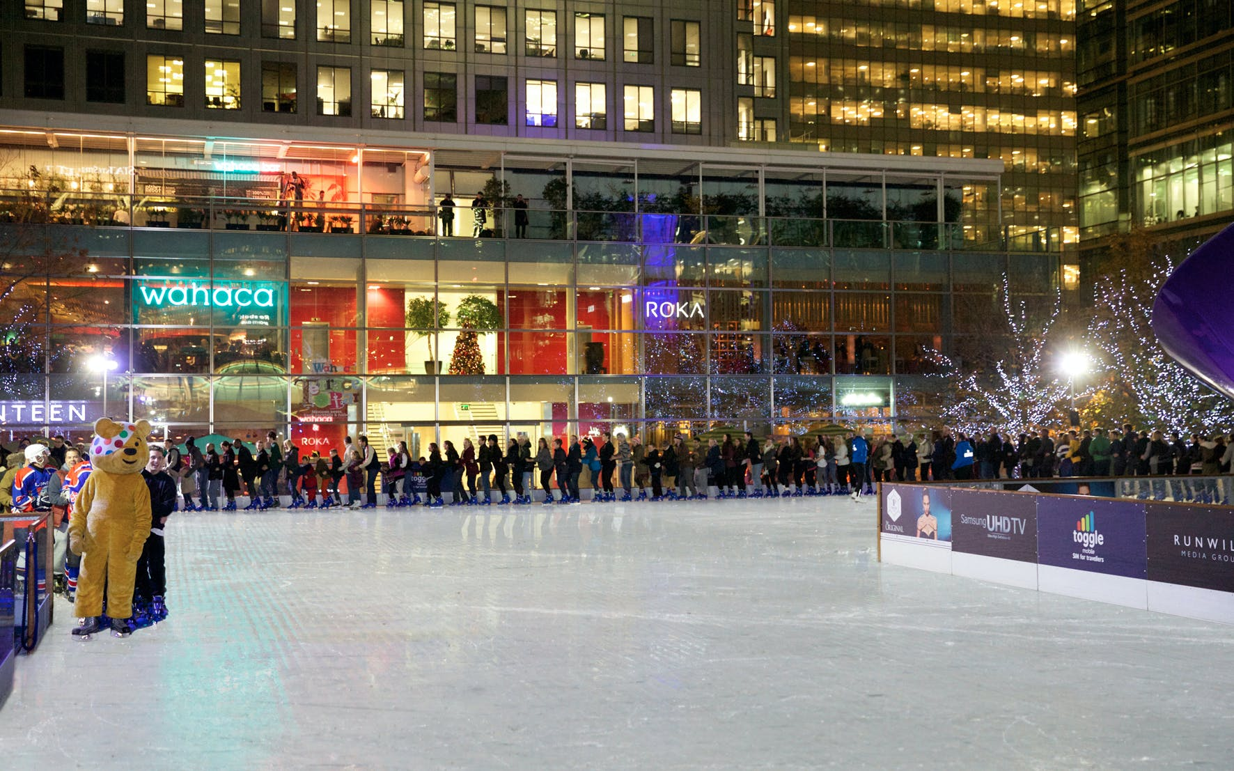christmas magic at the canary wharf ice rink-2