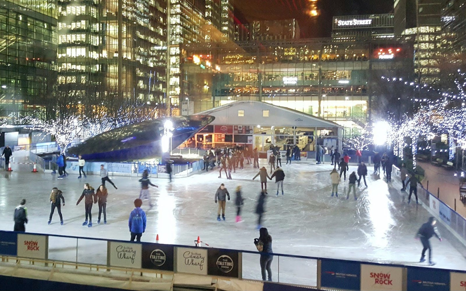 christmas magic at the canary wharf ice rink-3