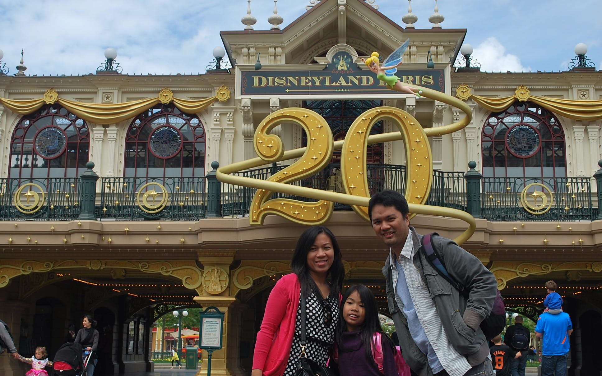 disneyland skip the line with train transfers --3
