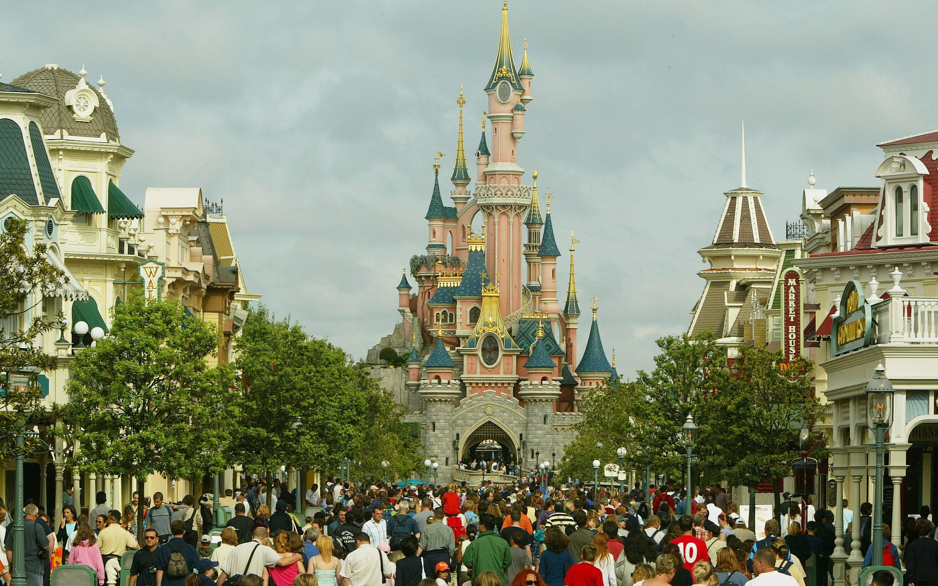 disneyland skip the line with train transfers --1