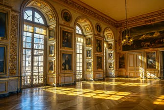Hall of mirrors Versailles-2