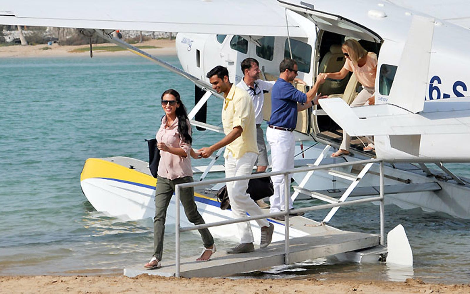 Seaplane Tour and Banyan Tree Escape (Dubai to Ras Al Khaimah)