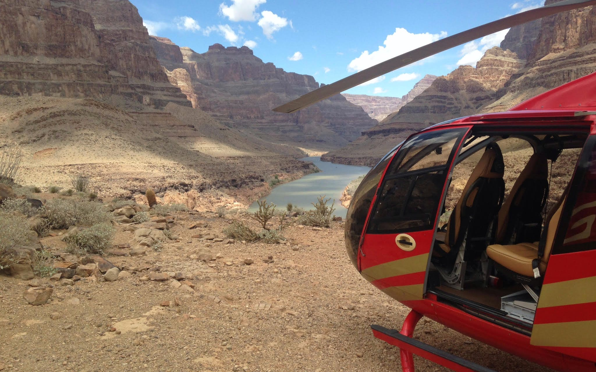 west rim by heli, coach and boat with skywalk-1